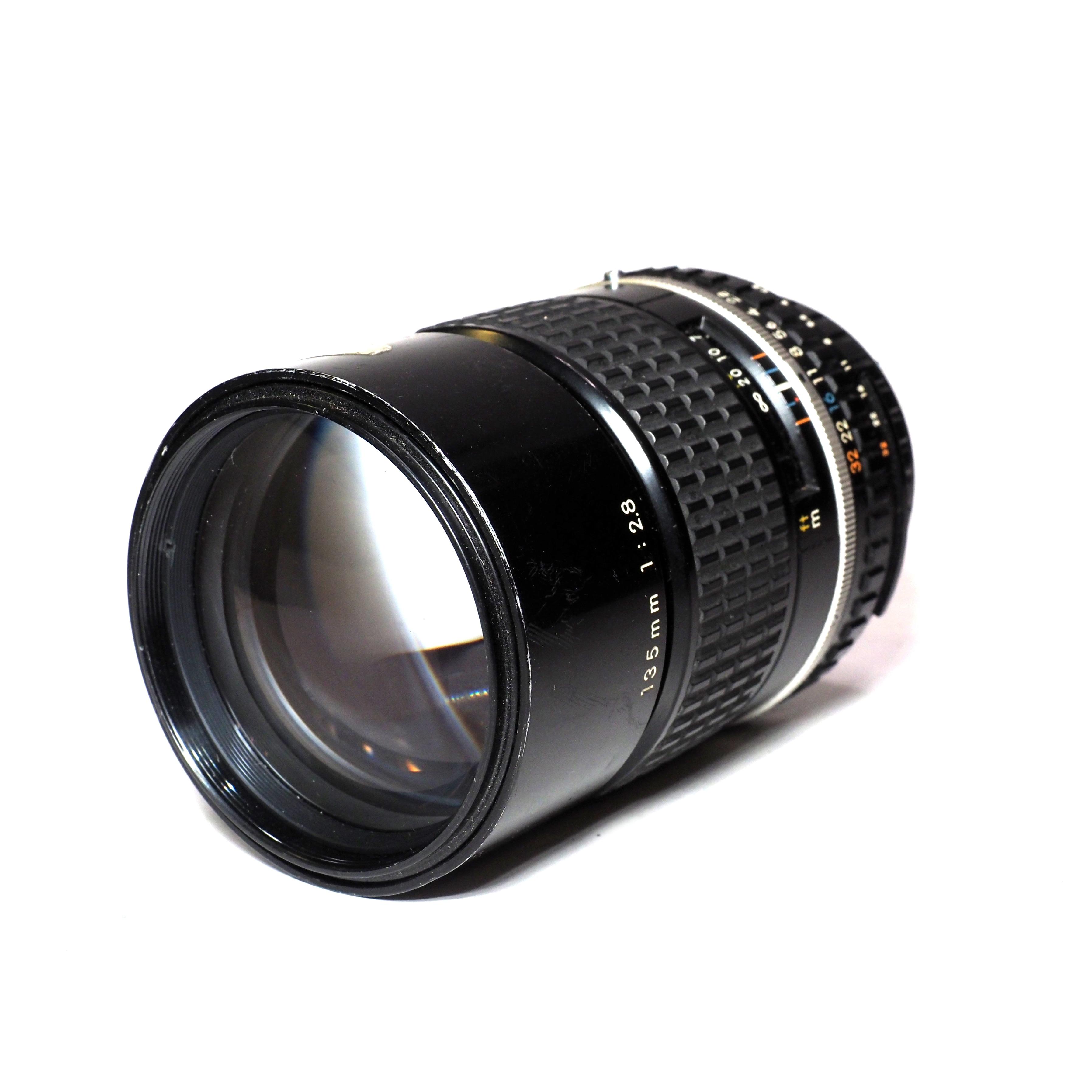 Nikon E Series 135mm f/2,8 - BEGAGNAT
