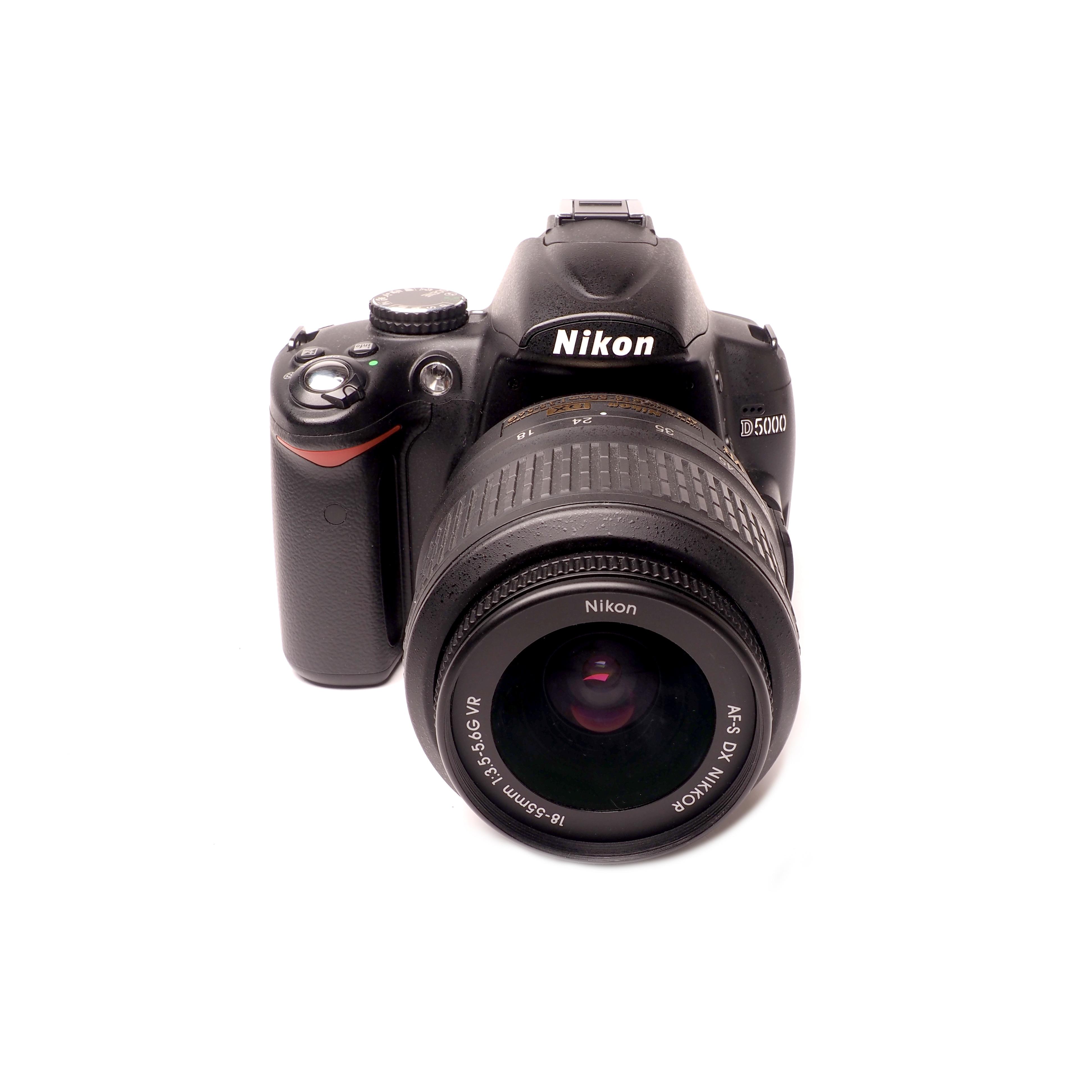Nikon  D5000 + 18-55mm - BEGAGNAT