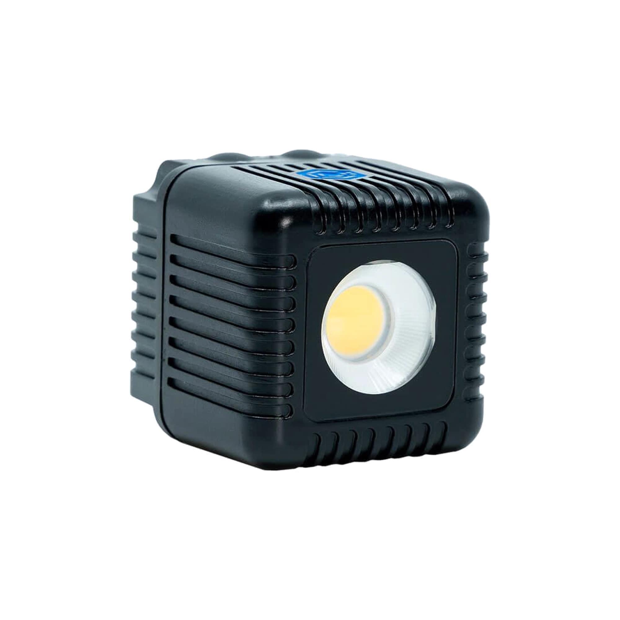 Ricoh GR III + Lume Cube 2.0